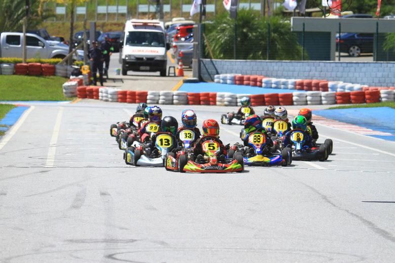 68 pilotos abriram a temporada do Mineiro de Kart