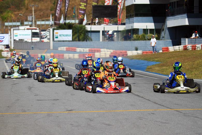 Taça Minas de Kart recebeu mais de 60 pilotos na primeira rodada